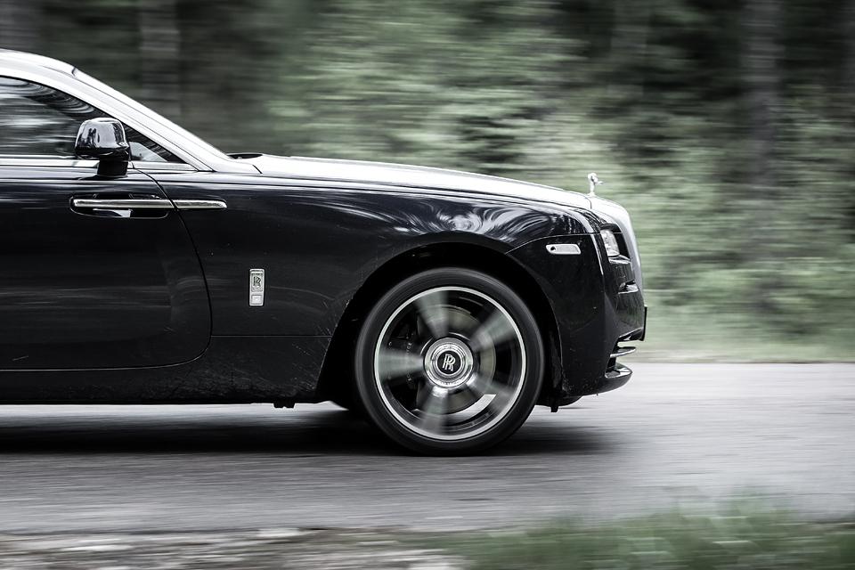 Из Питера в Москву на Rolls-Royce Wraith: вечная история на машине вне времени. Фото 9