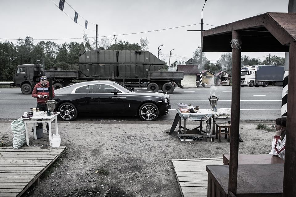 Из Питера в Москву на Rolls-Royce Wraith: вечная история на машине вне времени. Фото 12