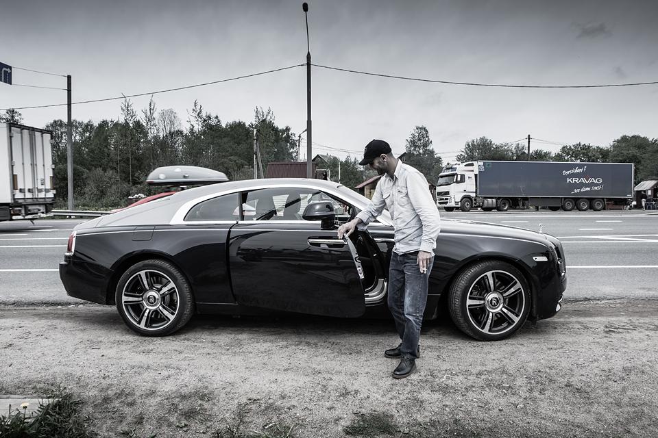 Из Питера в Москву на Rolls-Royce Wraith: вечная история на машине вне времени. Фото 13
