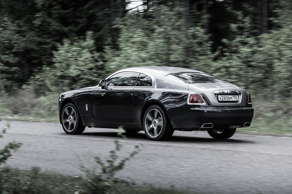 Из Питера в Москву на Rolls-Royce Wraith: вечная история на машине вне времени. Фото 14