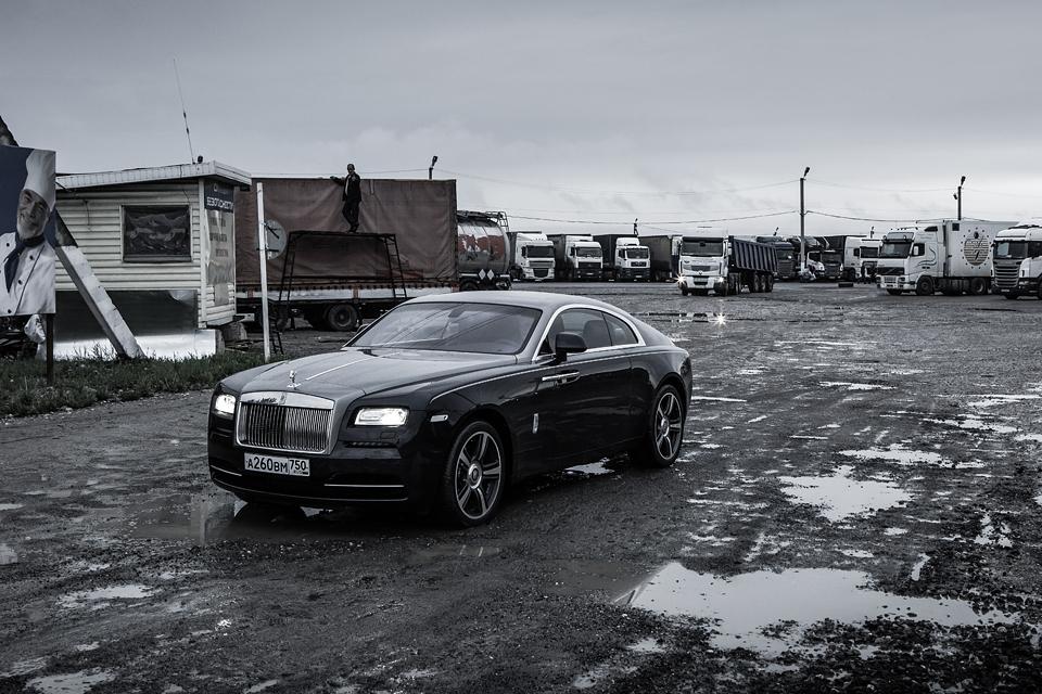 Из Питера в Москву на Rolls-Royce Wraith: вечная история на машине вне времени. Фото 16