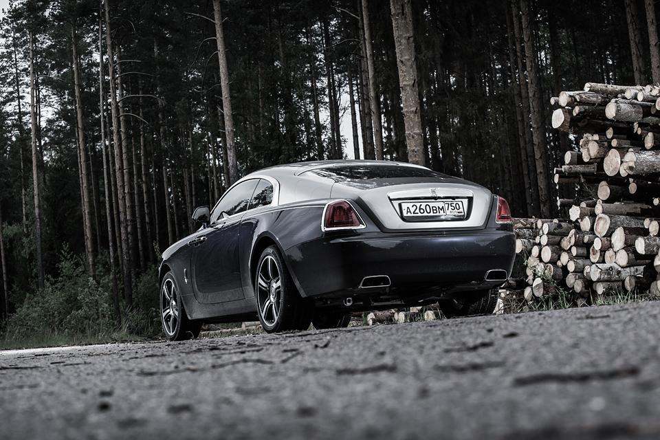 Из Питера в Москву на Rolls-Royce Wraith: вечная история на машине вне времени. Фото 17