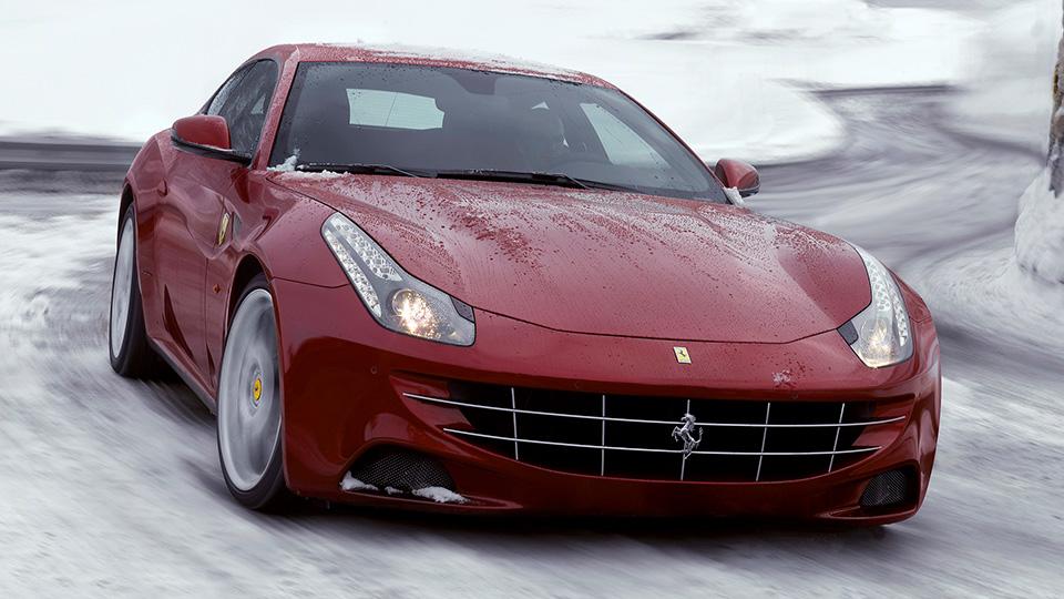 Продажи Ferrari в России упали на 60 процентов