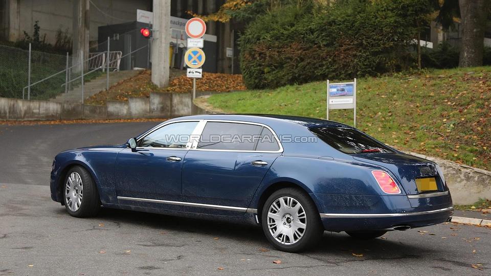 На моторшоу в Женеве покажут новую версию флагмана Bentley . Фото 1