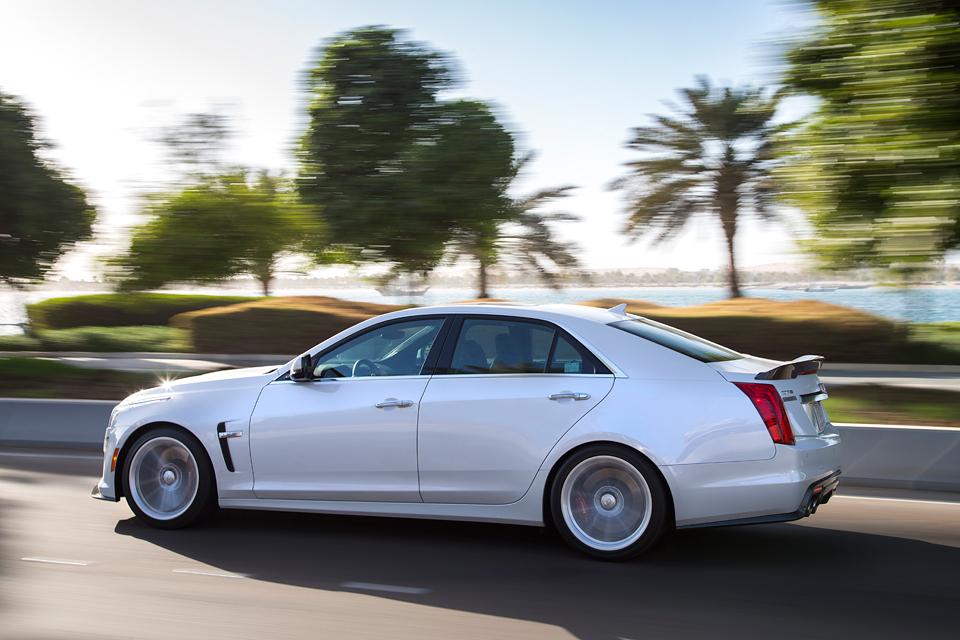 Тест Cadillac CTS-V и ATS-V, в котором не пострадала ни одна покрышка. Фото 3