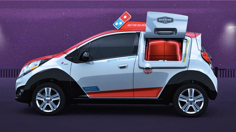 Ресторан Domino's Pizza разработал пиццамобиль с духовкой
