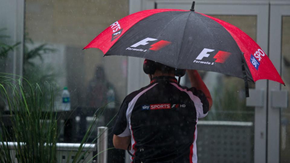 Квалификацию Гран-при США перенесли из-за урагана