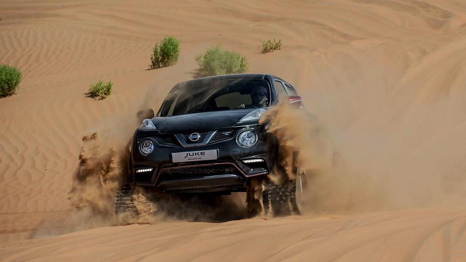 Nissan отправил гусеничный Juke Nismo RS в пустыню