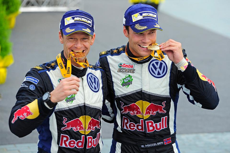 Андреас Миккельсен одержал первую победу в чемпионате мира по ралли. Фото 1