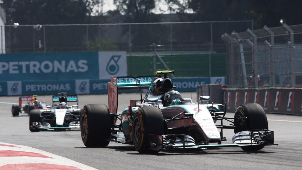 Нико Росберг впервые с июня победил в гонке Формулы-1