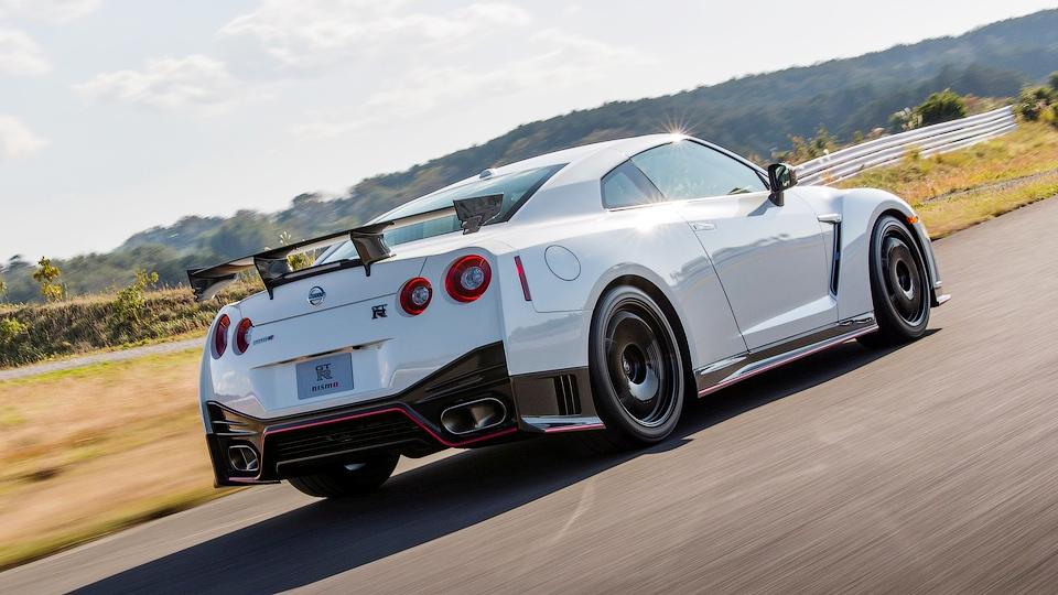 Следующий Nissan GT-R оснастят автопилотом