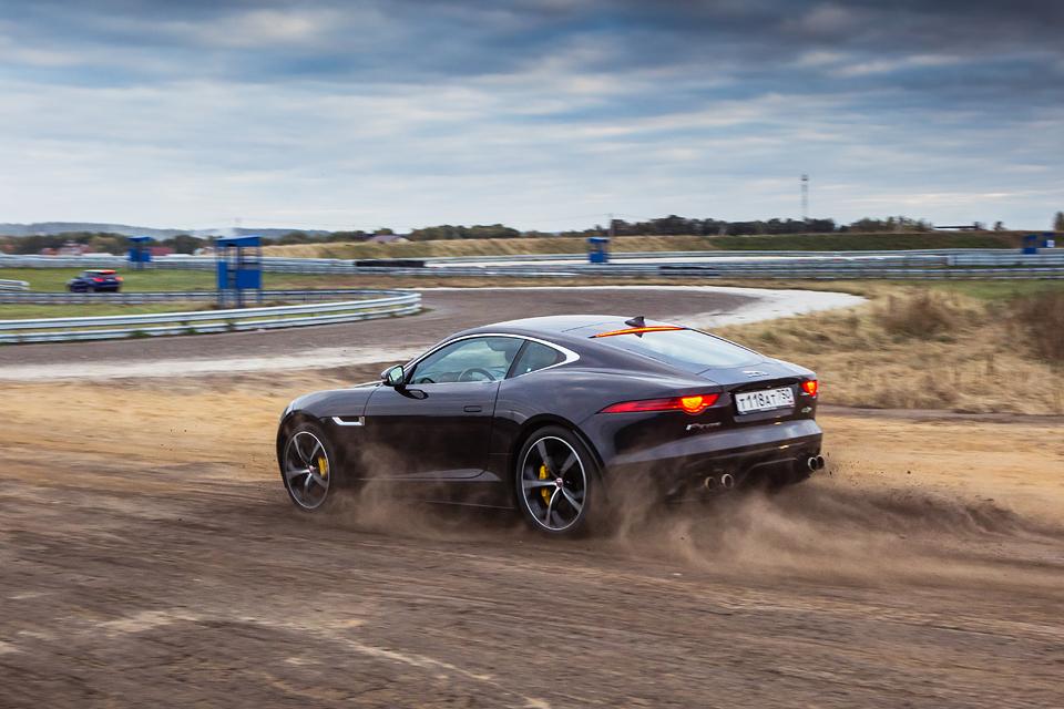 Jaguar F-Type R AWD против Range Rover Sport SVR в грязи и на асфальте. Фото 20