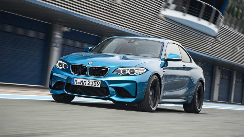 Для купе BMW M2 подготовили линейку спортивных аксессуаров