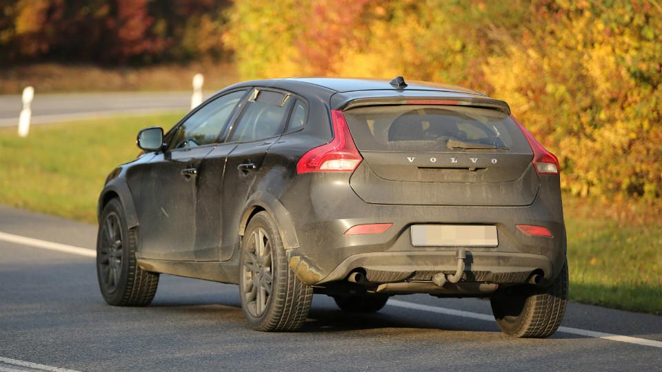 Шведы приступили к тестам вседорожника XC40. Фото 1