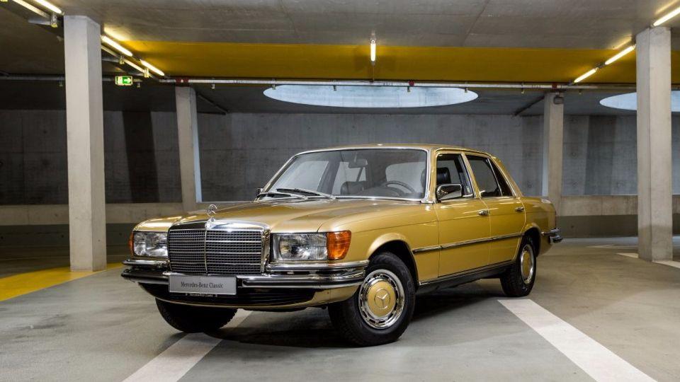 Музей Mercedes-Benz начал продажу классических машин