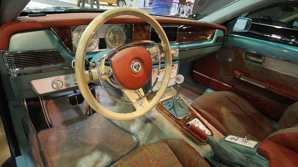 На Дубайском автосалоне показали две машины компании Bilenkin Classic Cars