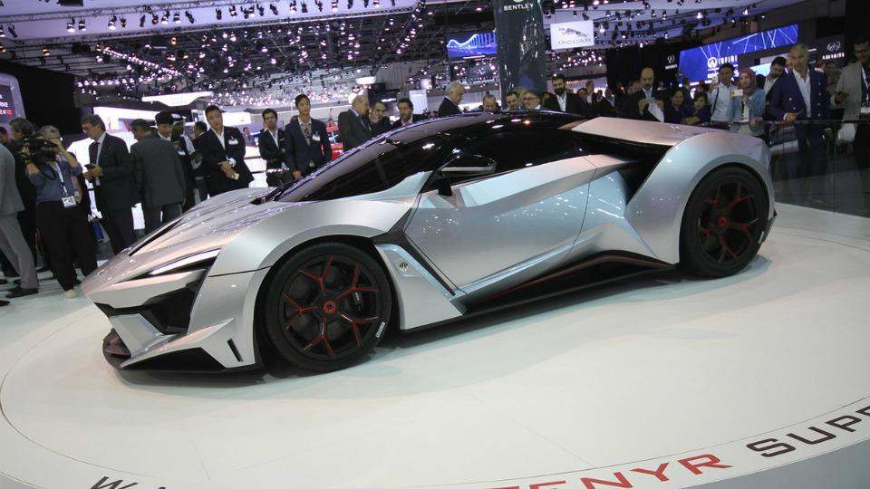 В Дубае дебютировало 900-сильное купе Fenyr SuperSport от фирмы W Motors. Фото 1