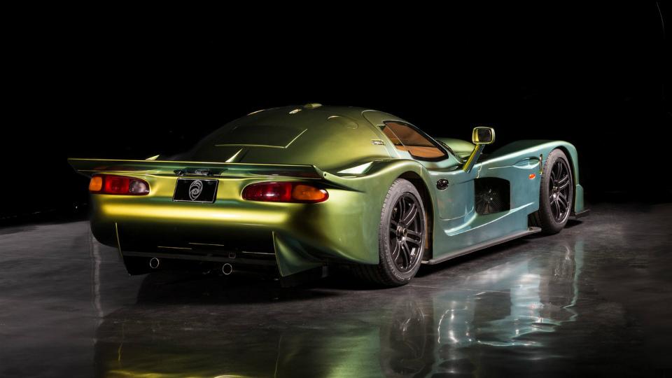 В Дубае показали купе Esperante GTR-1 Le Mans Homologation Special 1997 года