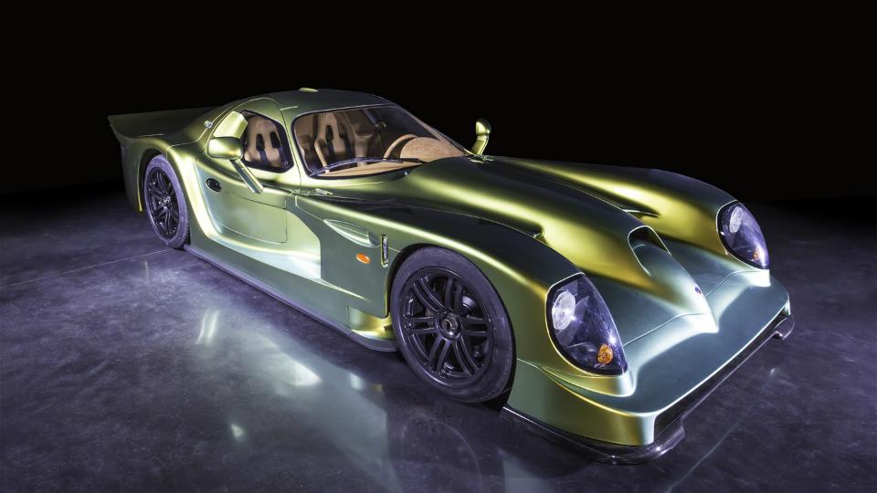 В Дубае показали купе Esperante GTR-1 Le Mans Homologation Special 1997 года. Фото 1