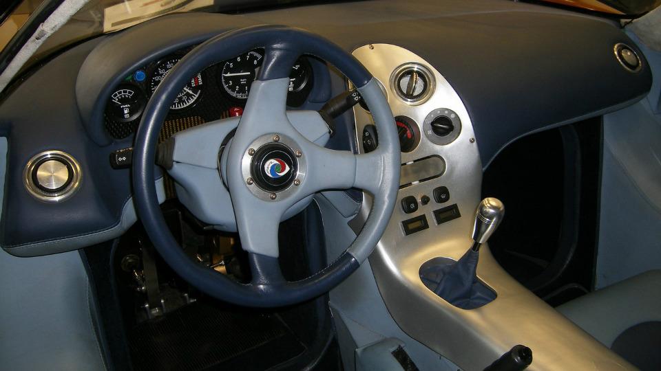 В Дубае показали купе Esperante GTR-1 Le Mans Homologation Special 1997 года. Фото 2