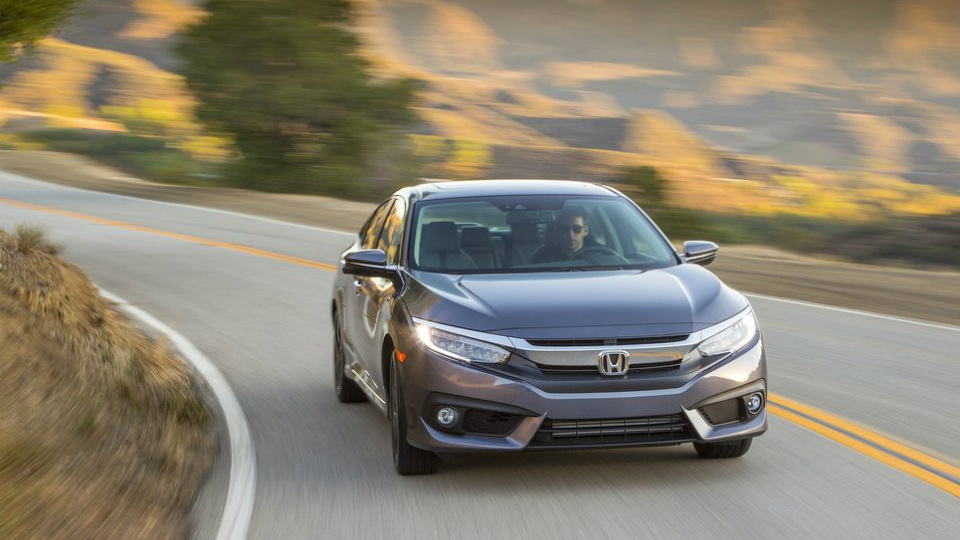 Названа дата премьеры купе Honda Civic десятого поколения