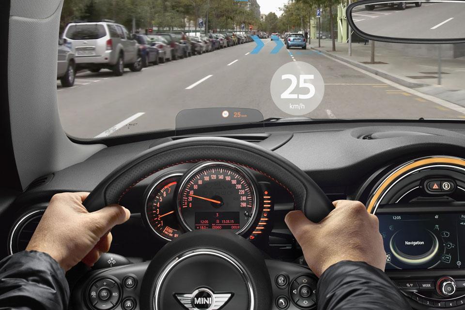 Как автопроизводители смешивают реальное с виртуальным. Фото 8