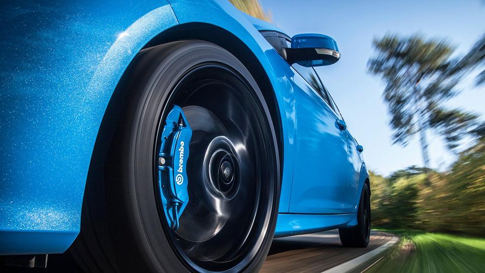 «Форд» научит наружную подсветку показывать заряд батарей