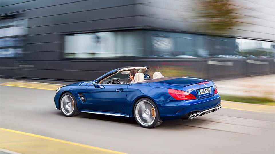 Родстер выполнили в стилистике суперкара Mercedes-AMG GT