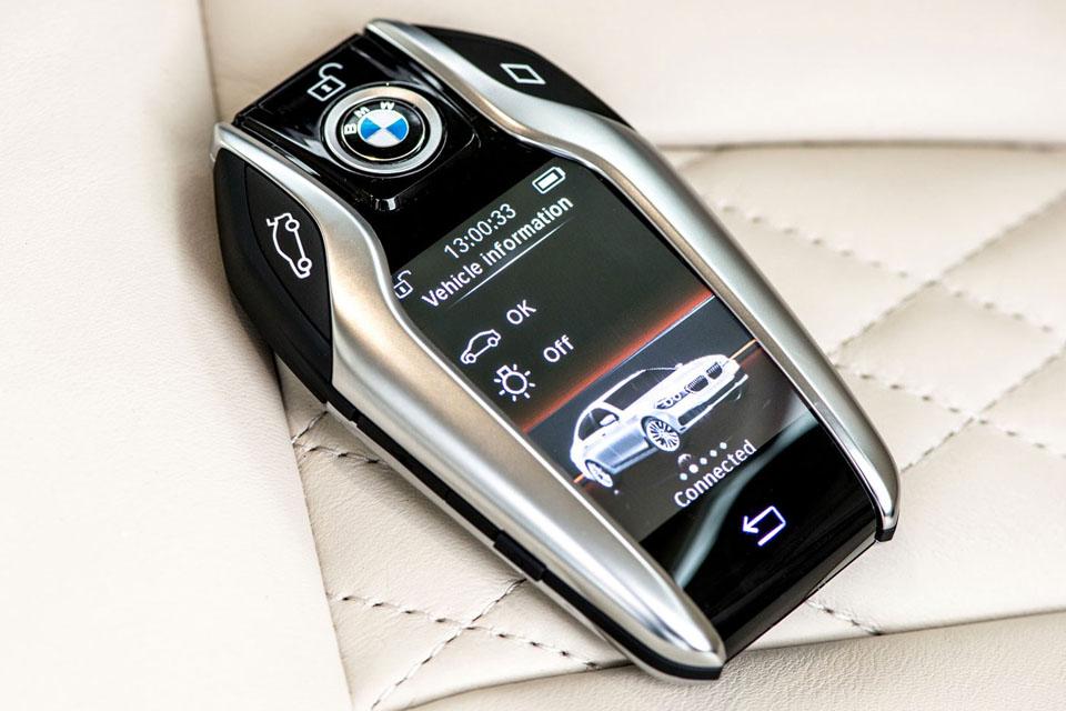 Интересные способы взаимодействия человека и автомобиля. Фото 3