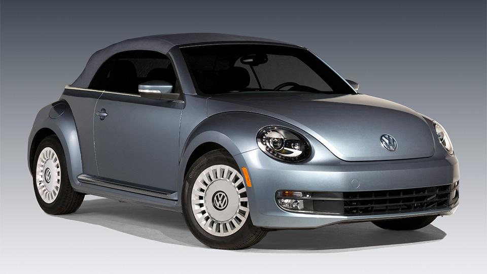 VW обшил Beetle джинсовой тканью