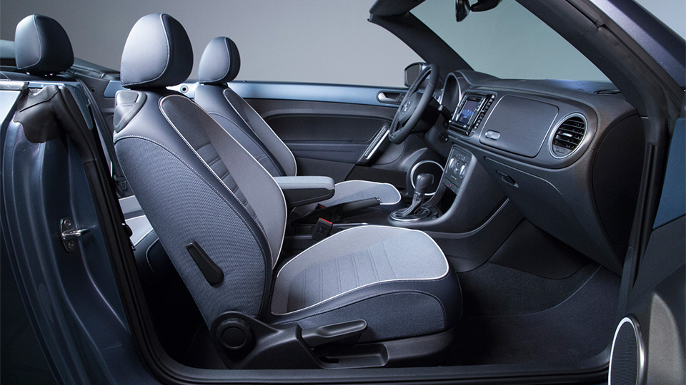 Volkswagen выпустит две тысячи кабриолетов в спецверсии Denim. Фото 1