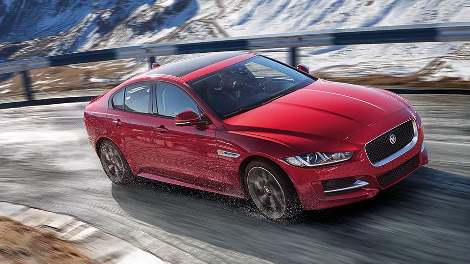 Самому маленькому седану Jaguar добавили полный привод