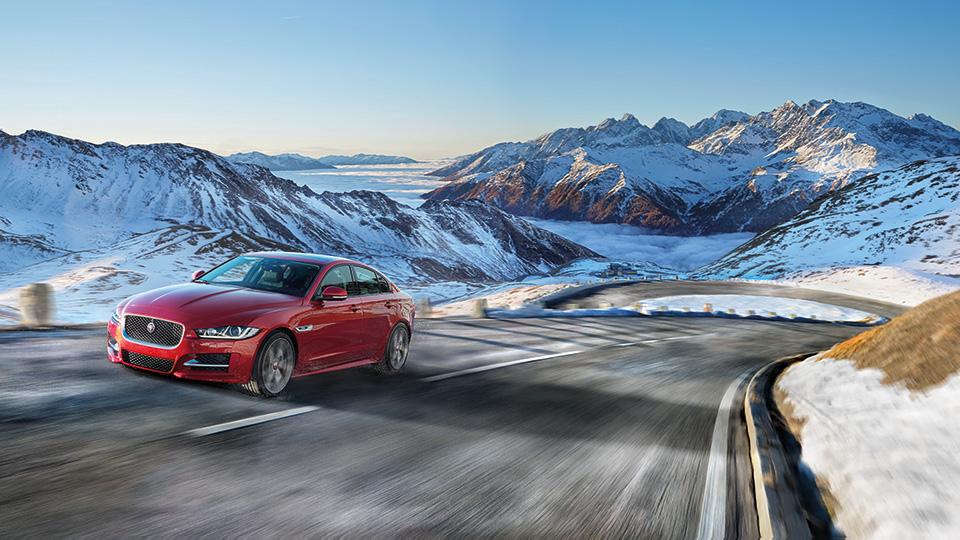 В Лос-Анджелесе Jaguar XE получил новую модификацию. Фото 2