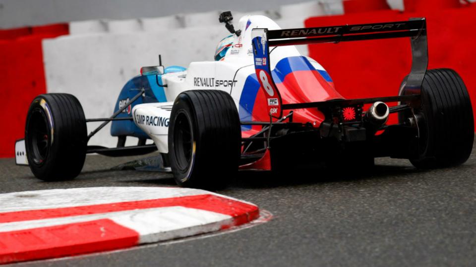 Российскому пилоту Формулы-Renault доверили гонку GP3