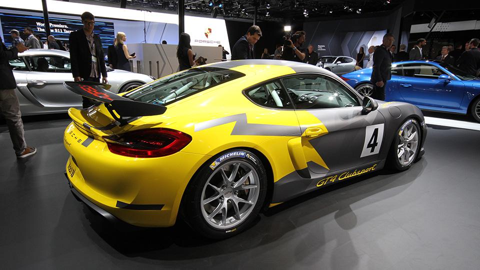 Представлен трековый спорткар Porsche Cayman GT4 Clubsport