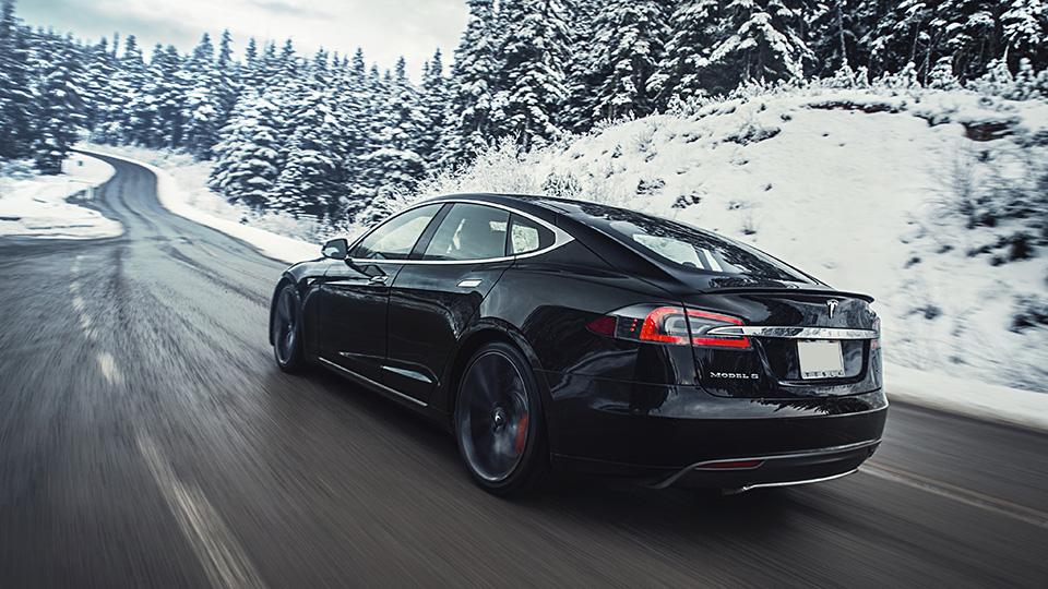 Tesla отзовет все седаны Model S