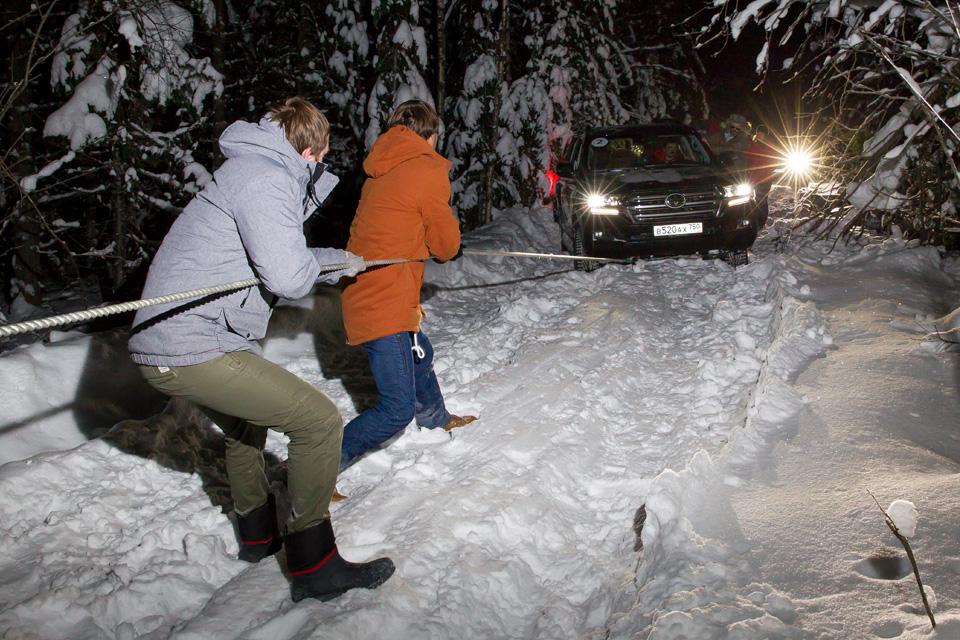 Испытываем обновленный Toyota Land Cruiser 200 снегами Северного Урала. Фото 1