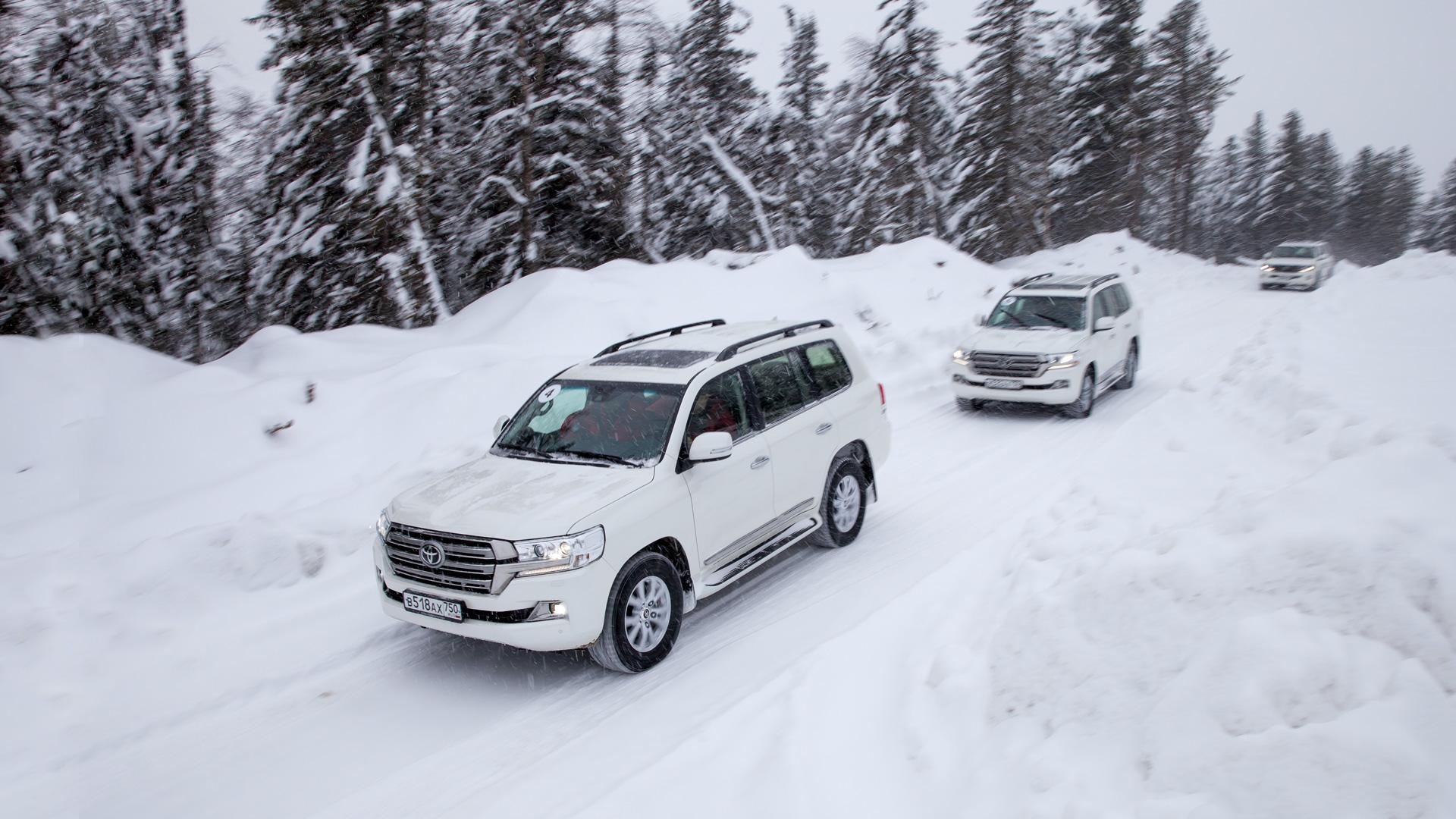 Испытываем обновленный Toyota Land Cruiser 200 снегами Северного Урала. Фото 2