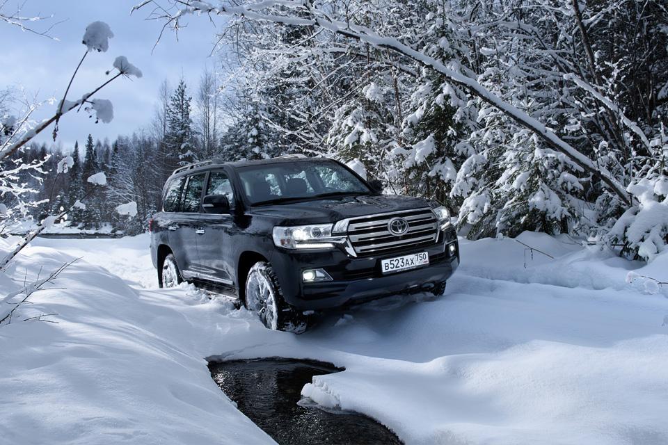 Испытываем обновленный Toyota Land Cruiser 200 снегами Северного Урала. Фото 3