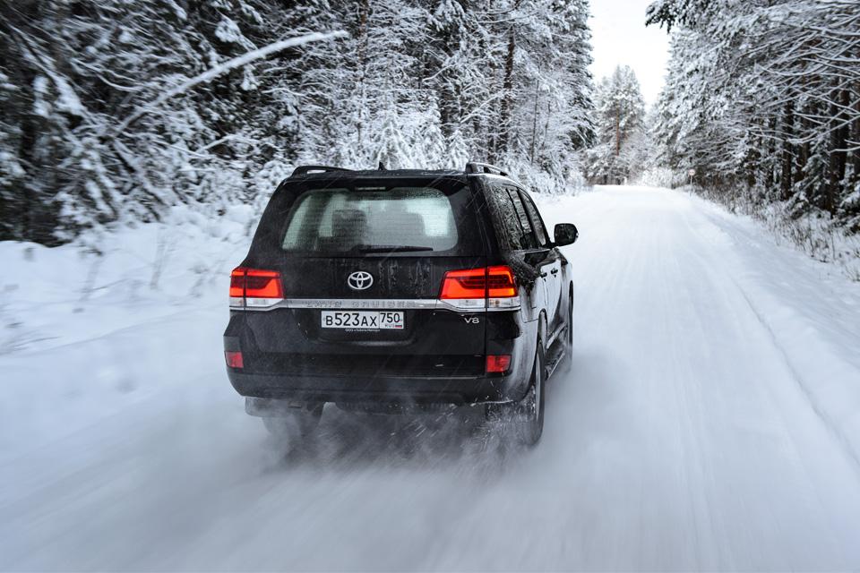 Испытываем обновленный Toyota Land Cruiser 200 снегами Северного Урала. Фото 7