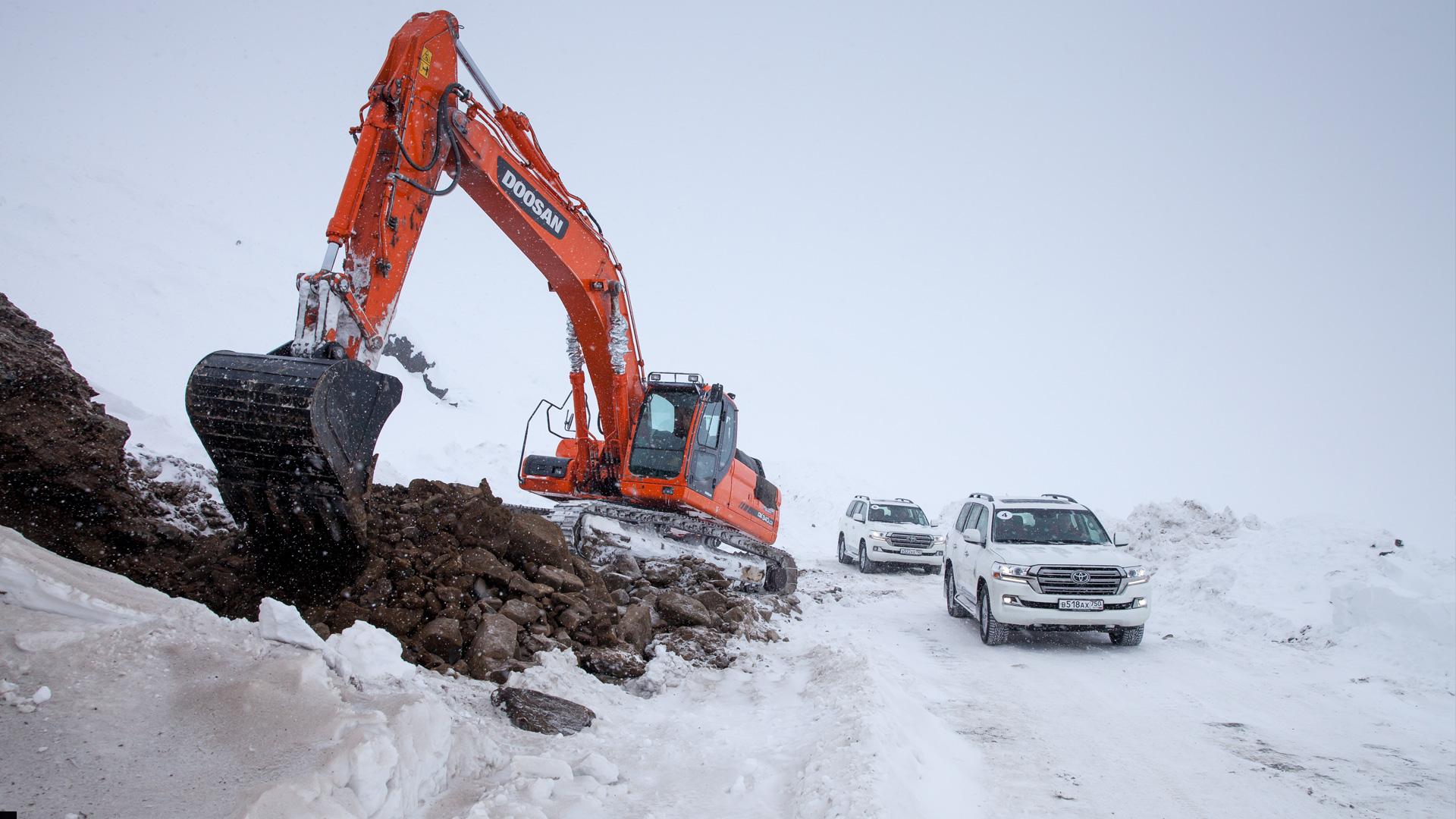Испытываем обновленный Toyota Land Cruiser 200 снегами Северного Урала. Фото 6