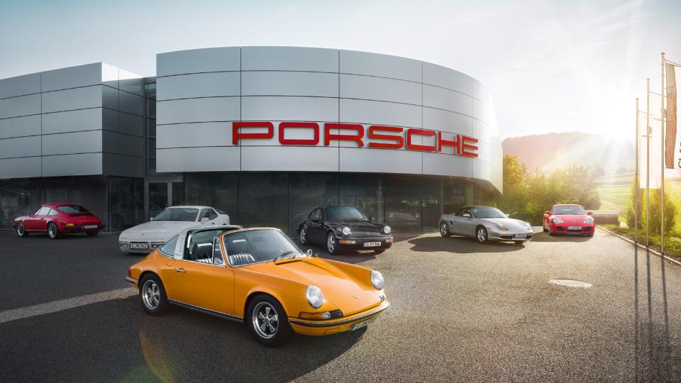 Марка Porsche открыла первый центр продажи классических спорткаров