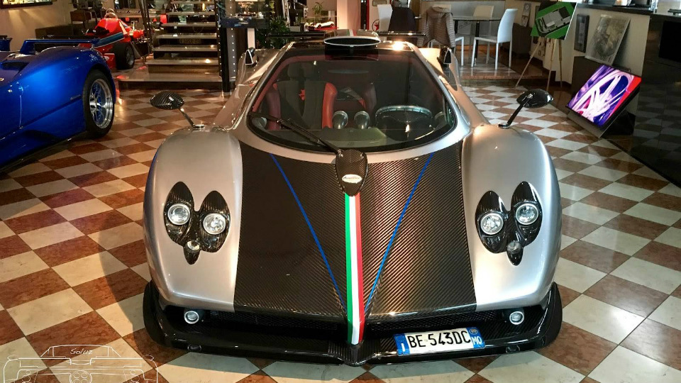Итальянцы отреставрировали самый старый экземпляр суперкара