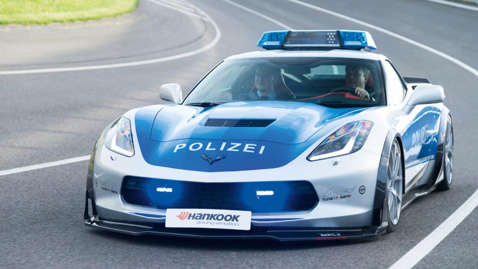 Тюнеры переделали Chevrolet Corvette в машину немецкой полиции
