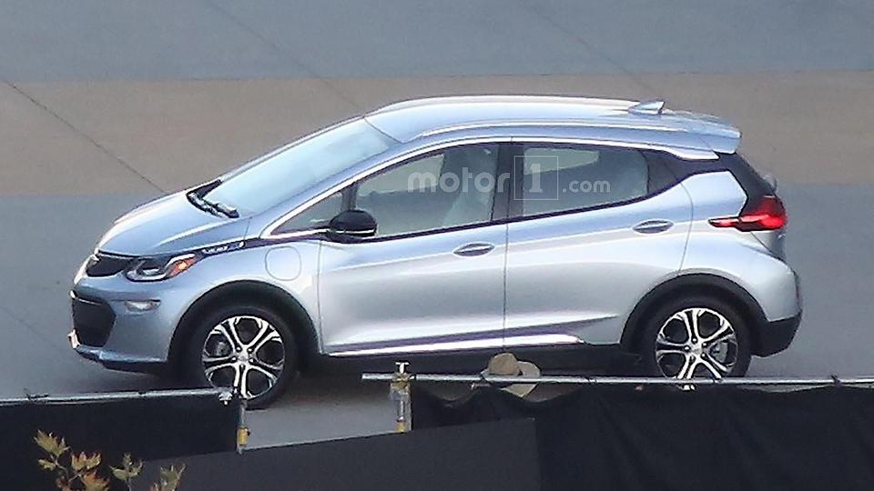 Фотошпионы раскрыли дизайн маленького электрокара Chevrolet