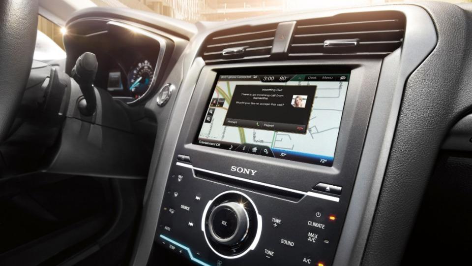 Голосовое управление Siri стало доступно для 5 миллионов «Фордов»