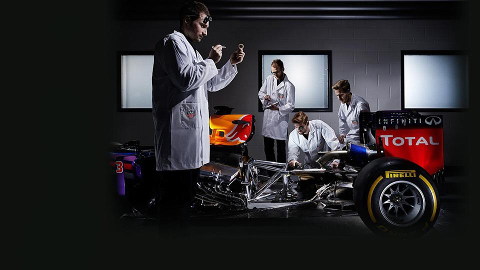 Команда Red Bull получит переименованные двигатели Renault