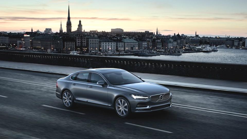 У нового флагмана Volvo появится версия с 1,5-литровым мотором