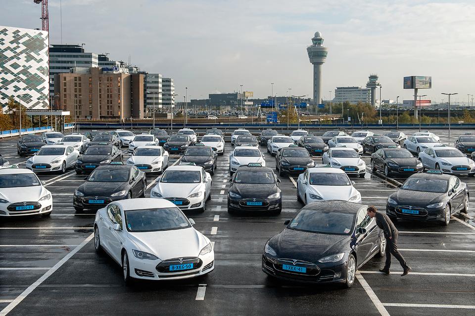 Легендарные такси крупнейших городов мира. Фото 14