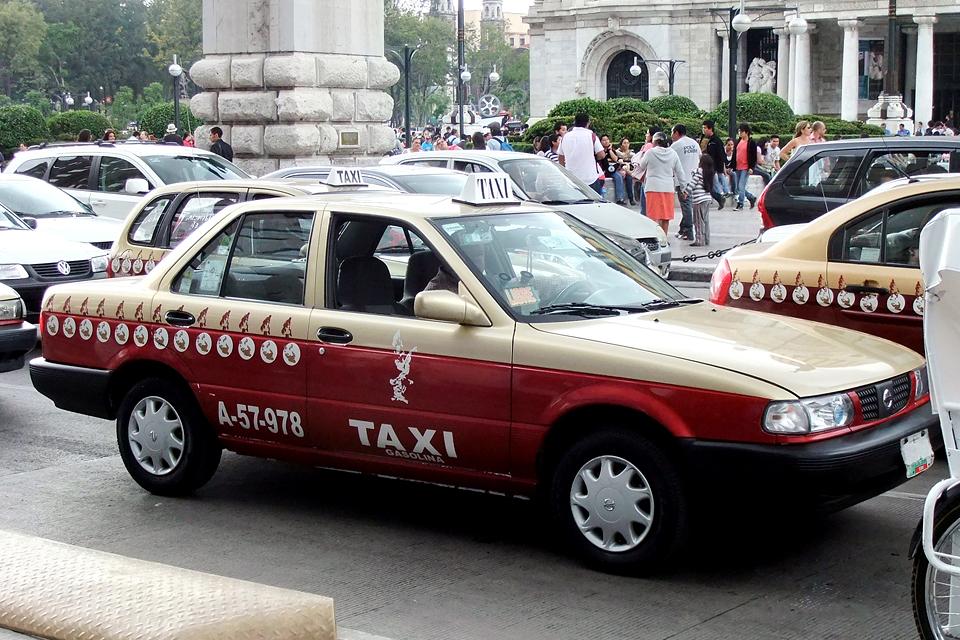 Легендарные такси крупнейших городов мира. Фото 10